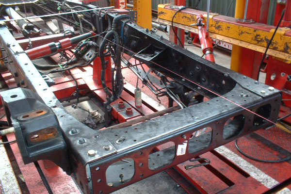 トラック各種修理